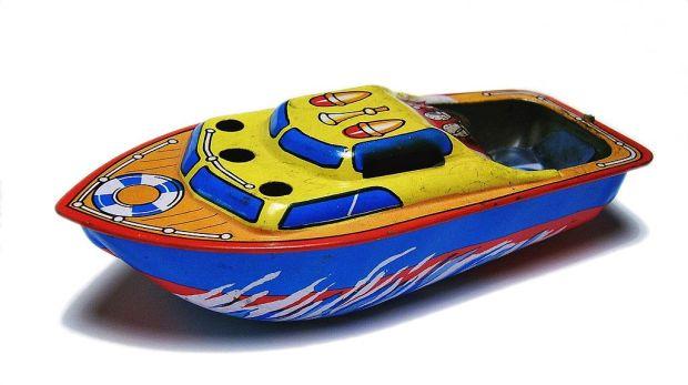1024px-Knatterboot